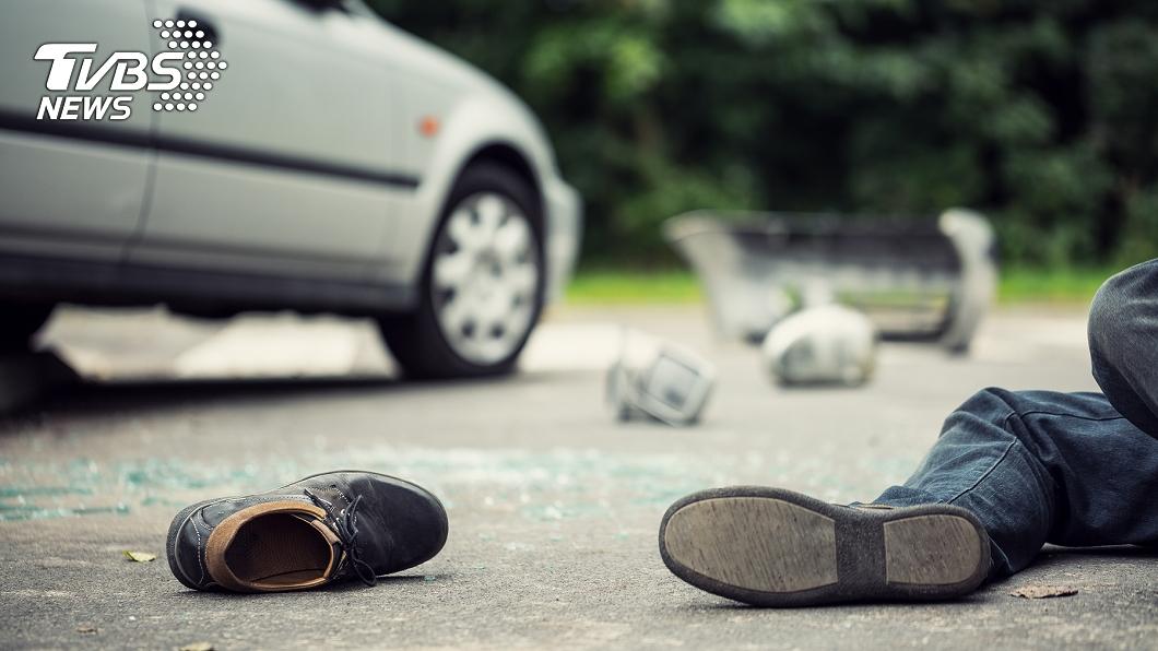 非當事人。(示意圖/shutterstock達志影像) 被車撞當沒事!翁回家慘倒玄關 家人6日後破門睹屍淚崩