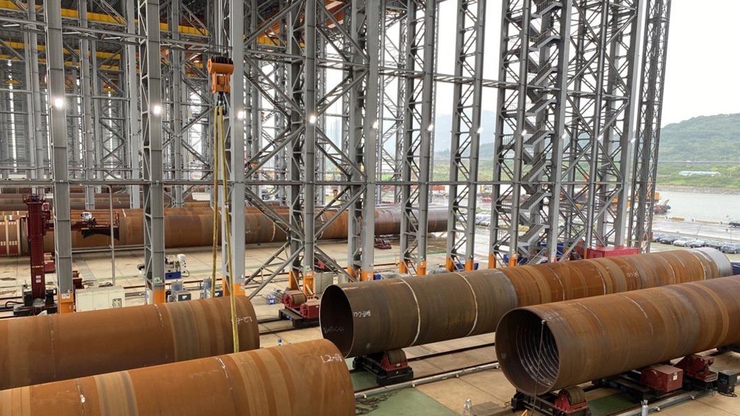沃旭能源今天宣布首批水下基樁完工。(圖/中央社) 首批水下基樁完工 沃旭:全力扶持在地供應商