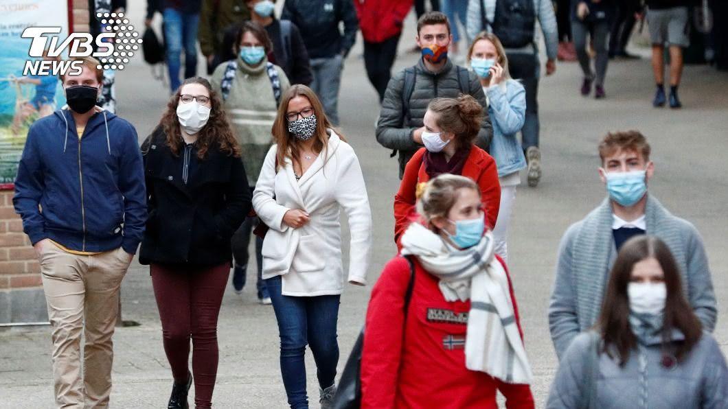 新冠肺炎疫情延燒,歐洲單週增逾70萬人確診創新高。(圖/達志影像路透社) 歐洲單週增逾70萬確診創新高 新冠肺炎最新情報