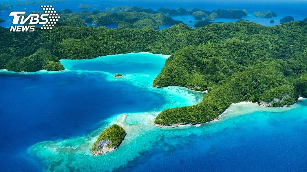 帛琉有望納入旅遊泡泡,陳時中表示初步規劃採包團方式避免與當地人接觸。(示意圖/shutterstock 達志影像) 帛琉旅遊泡泡有譜 陳時中:包團進出有望免採檢