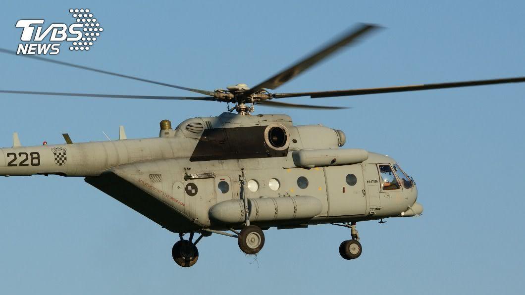 阿富汗兩架撤離傷兵的直升機相撞,造成機上9人死亡。(示意圖/shutterstock 達志影像) 軍用直升機起飛相撞釀9死 阿富汗撤傷兵出意外