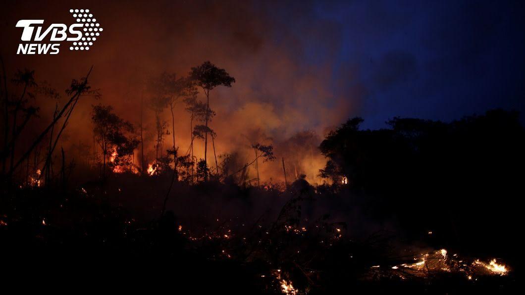 巴西森林火災。(圖/達志影像路透社) 氣候條件與陋習 巴西森林火災隱患無處不在