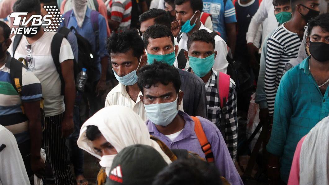 印度疫情再惡化,再添6.3萬人確診直追美國。(圖/達志影像路透社) 印度再添6.3萬確診直逼美國 新冠肺炎最新情報