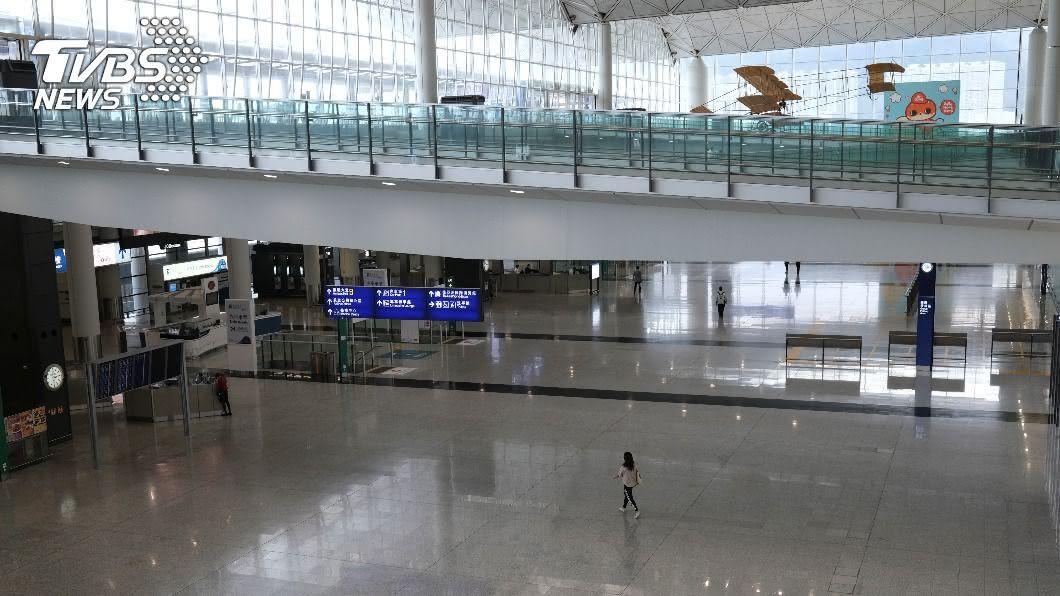 疫情重創香港旅遊業,超過8成旅行社恐難逃裁員風暴。 (圖/達志影像路透社) 疫情重創港失業率飆6.1% 逾8成旅行社恐裁員
