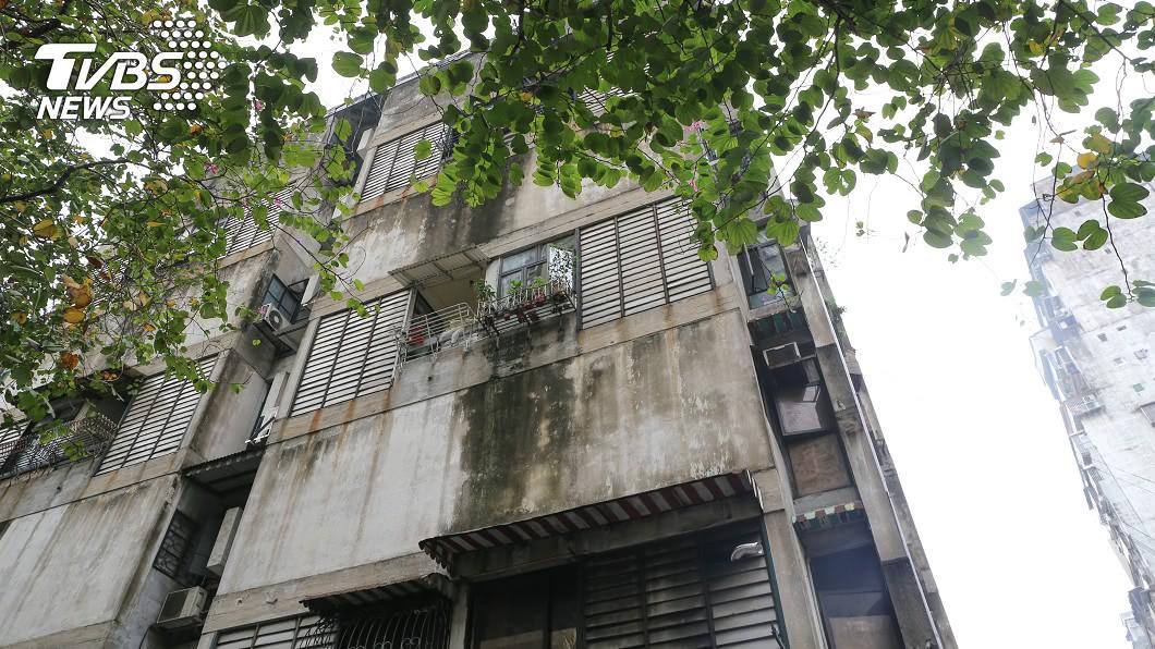 台中老公寓30年死了6人。(示意圖/shutterstock達志影像) 30年死6租客!老公寓「斷魂同位置」 房仲:死法一樣