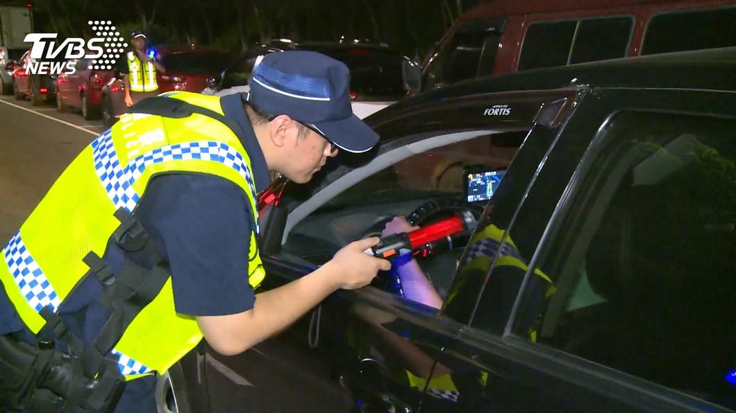 (圖片來源/ TVBS) 沒有違規卻被警察攔檢開單 如果覺得不合理該怎麼做?