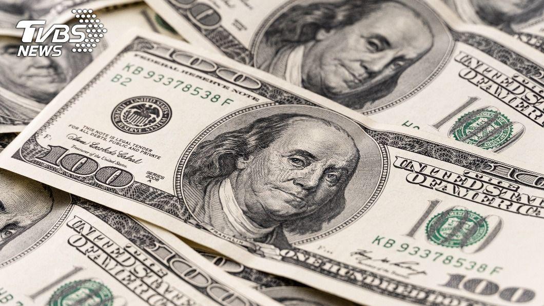 美國預算赤字持續攀升,達3.1兆美元創新高紀錄。 (示意圖/shutterstock 達志影像) 疫情重創大舉紓困 美預算赤字3.1兆美元創新高