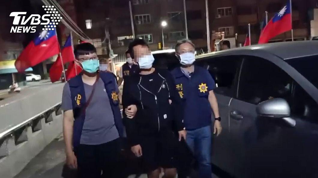 林男自導自演遭綁架,向母討70萬元。(圖/TVBS) 自導自演遭綁架!他房間吹冷氣討70萬 母痛罵「垃圾」