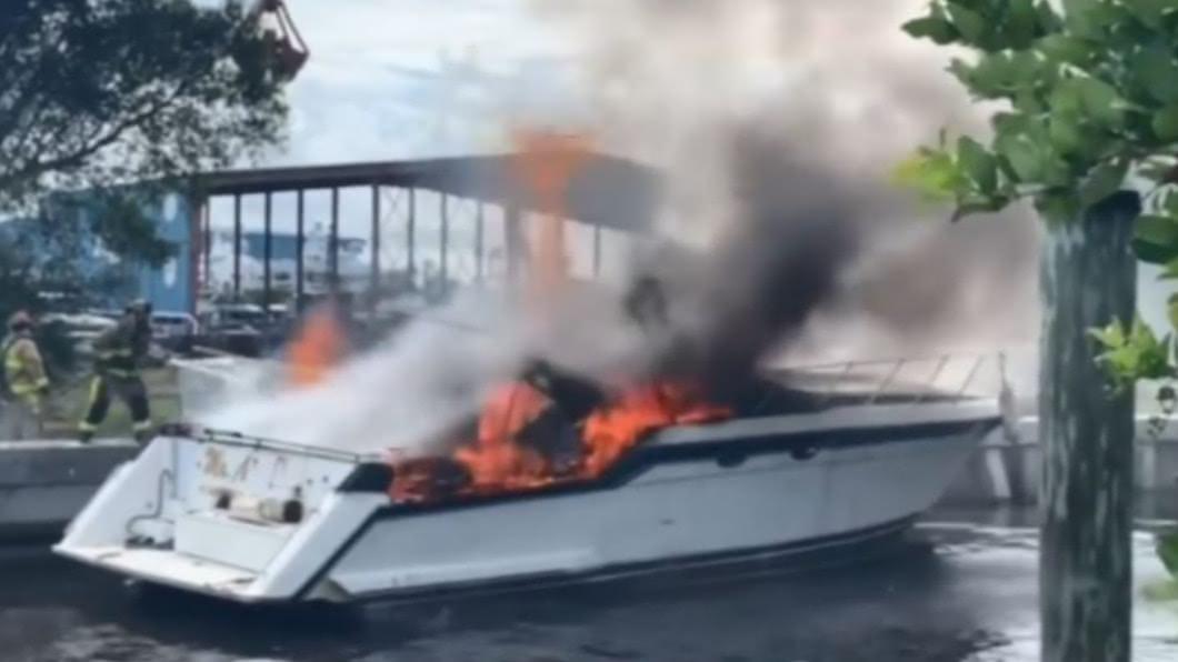 圖/翻攝自Fort Lauderdale Fire Rescue facebook 豪華遊艇連兩爆! 傳有乘客遭炸飛13人傷