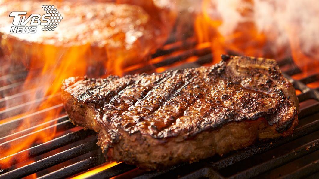 (示意圖/Shutterstock達志影像) 單身族快訂位!10餐廳祭「超值優惠」 沙朗牛免費爽吃