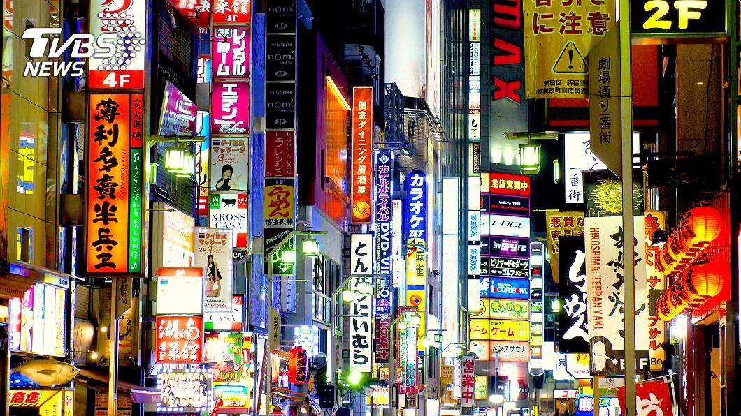 東京一名歌舞伎町的牛郎,涉嫌對一名年輕嫩妹詐得400萬日幣。(示意圖/shutterstock 達志影像) 型男牛郎勾上20歲嫩妹 只憑「1句話」榨乾百萬現金