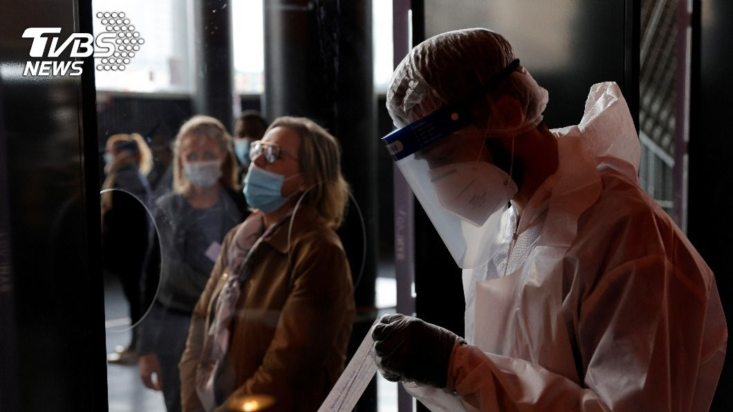 全球新冠肺炎累計確診破4000萬例。(圖/達志影像路透社) 全球累計確診破4千萬例 新冠肺炎最新情報一覽