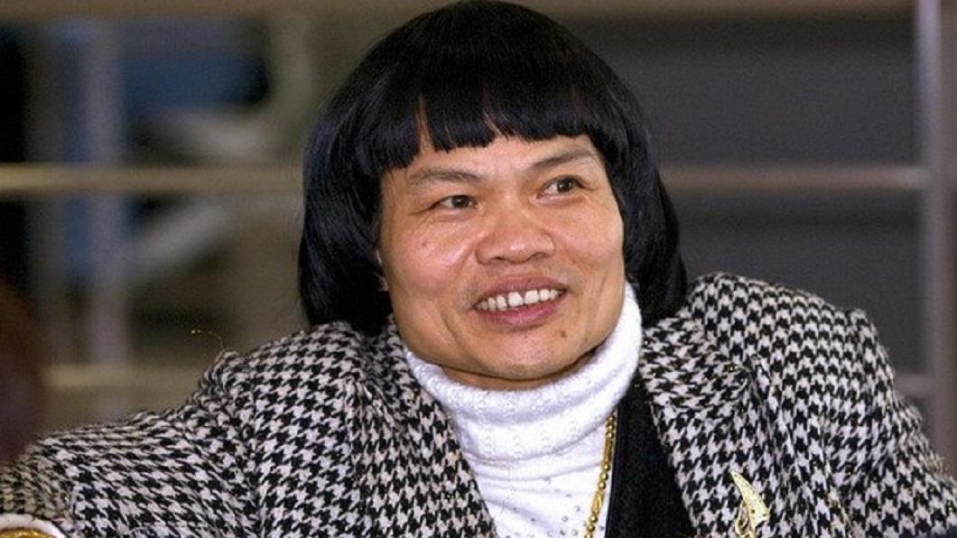 香港男星八兩金被港媒封為全香港最醜的男人。(圖/翻攝自百度百科) 被封「全香港最醜男人」 八兩金同框25歲兒眾人全看呆