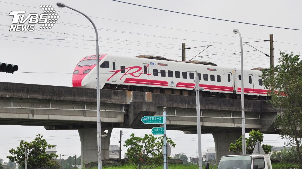 宜蘭縣近年積極爭取鐵路高架化,圖為現有高架路段。(圖/中央社) 宜蘭鐵路高架化經費初估252億 蘇揆核定可行性研究