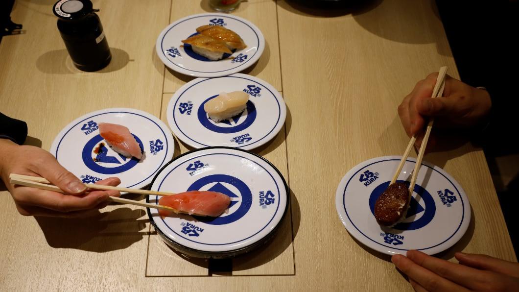 圖/達志影像路透 等嘸海外客 日本迴轉壽司.拉麵店陷倒閉潮