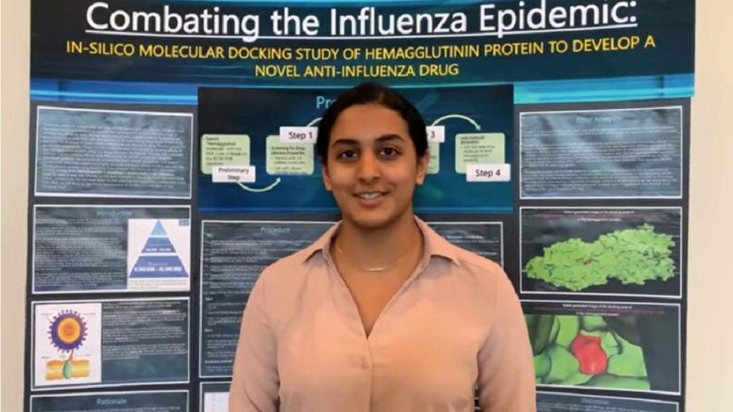 美國14歲少女發現新冠潛在療法。(圖/翻攝自YouTube「Anika Chebrolu」) 好強!美14歲少女發現「新冠潛在療法」奪青年科學家獎