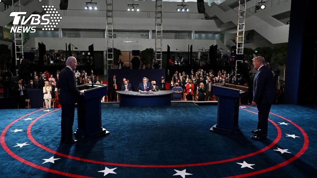 川普與拜登22日的辯論將有靜音按鈕。(圖/達志影像路透社) 美總統辯論新增「靜音」功能 川普不滿但承諾出席