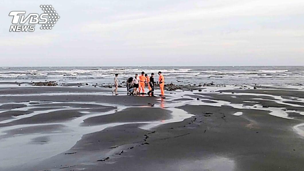 (圖/中央社) 虐死5月大女童埋屍沙灘 桃園夫妻及女友人遭起訴