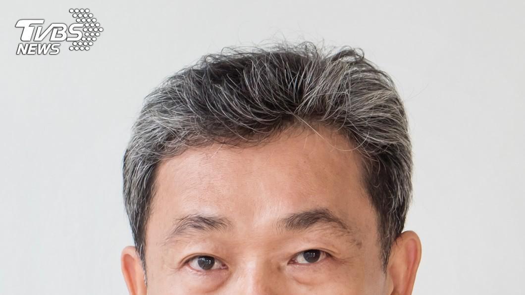 中醫師表示,頭皮按摩可改善頭部循環也有助於養髮。(示意圖/shutterstock 達志影像) 肝不好會長白髮! 醫推「穴道按摩」緩解疲勞助改善