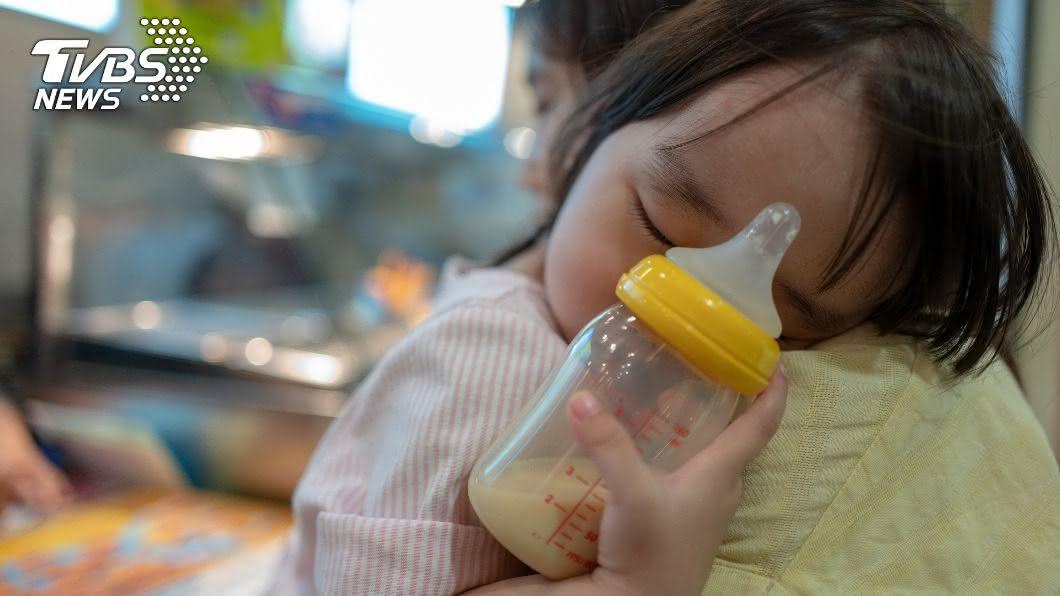 2歲女兒來初經!新手爸媽嚇壞 原因竟是塑化劑