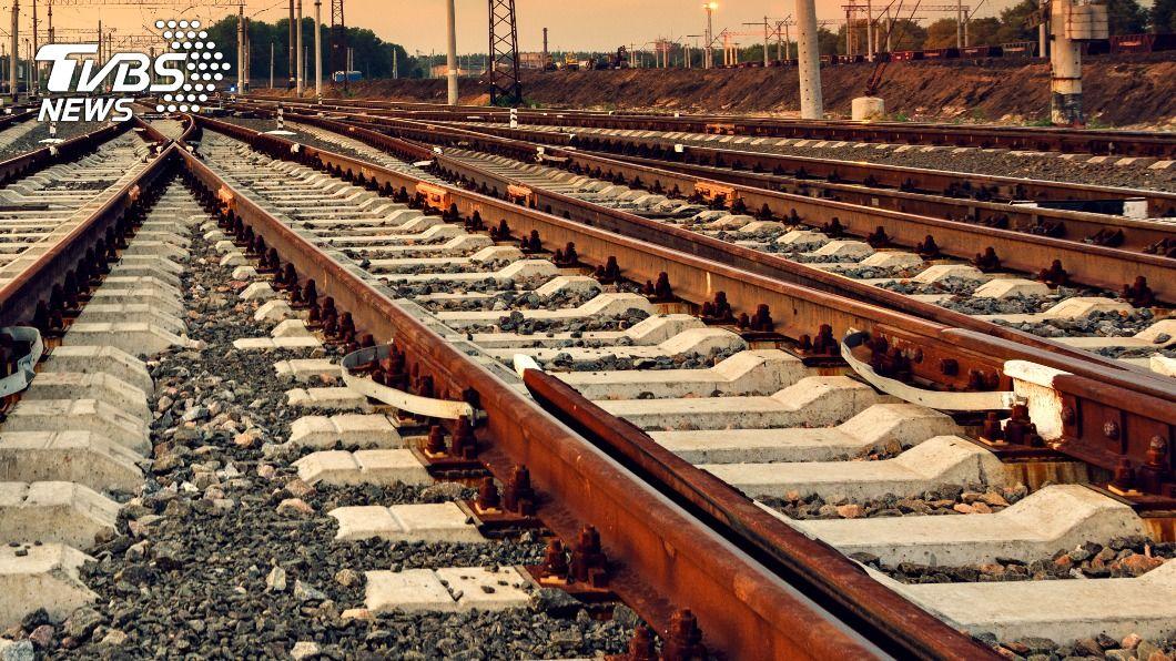 (示意圖/shutterstock 達志影像) 台鐵斷軌未通報「僅列行車異常」 林佳龍5個月後才知