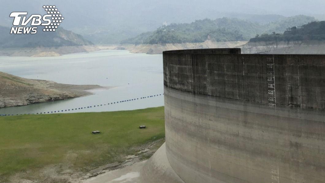 今年水情不佳。(圖/中央社) 曾文蓄水率跌破3成 黃偉哲:再不下雨12月恐減壓供水