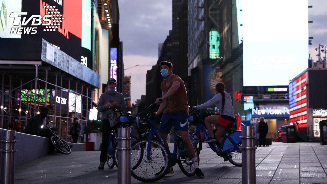 (圖/達志影像路透社) 全美新冠疫情再惡化 紐約州確診率創4個月新高