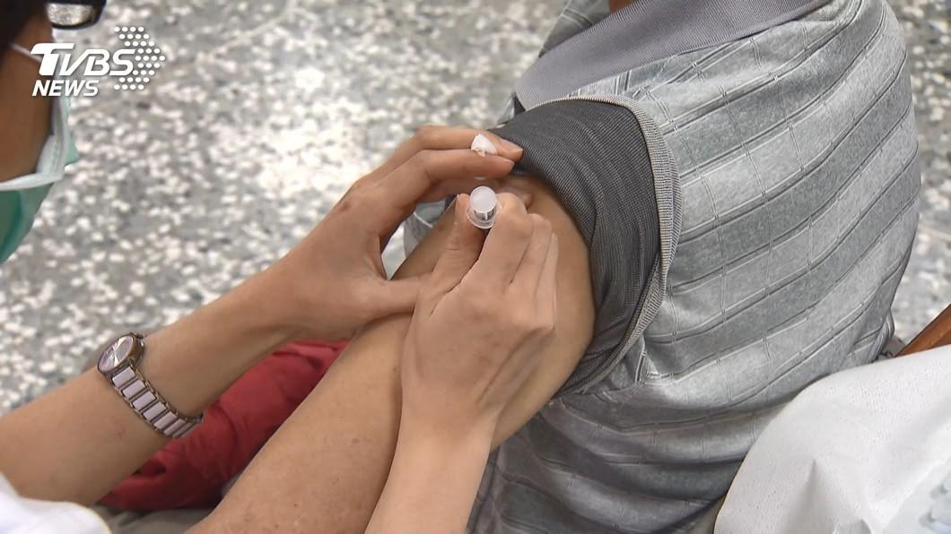 自費疫苗「2種人」優先施打 最快4月開放