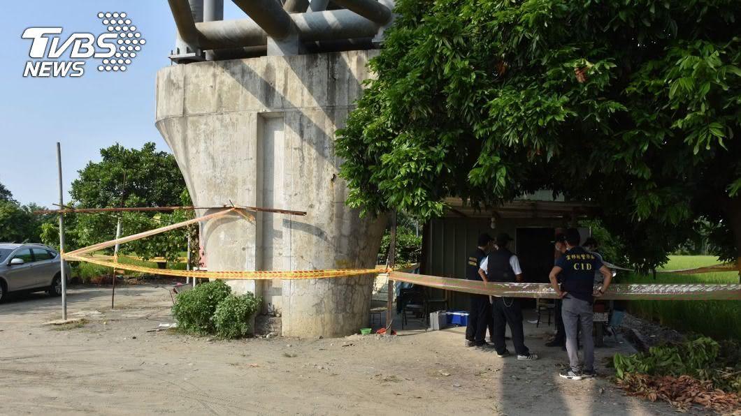 施工槍擊案主嫌遭人發現陳屍於中沙大橋底下工寮。(圖/TVBS) 3槍射穿男腹部 雲林嫌睡工寮48hr「竟離奇死了」