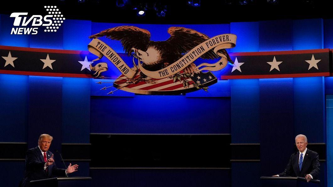 美國總統大選最終場辯論。(圖/達志影像美聯社) 美總統大選最終辯論 川普、拜登克制但火花仍熾