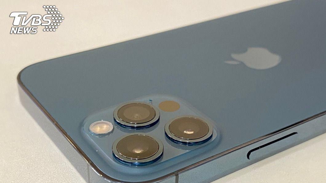PChome開賣iPhone 12 Pro,3分鐘內全部搶購一空。(圖/中央社) iPhone12 Pro最受青睞 電商開賣3分鐘完銷