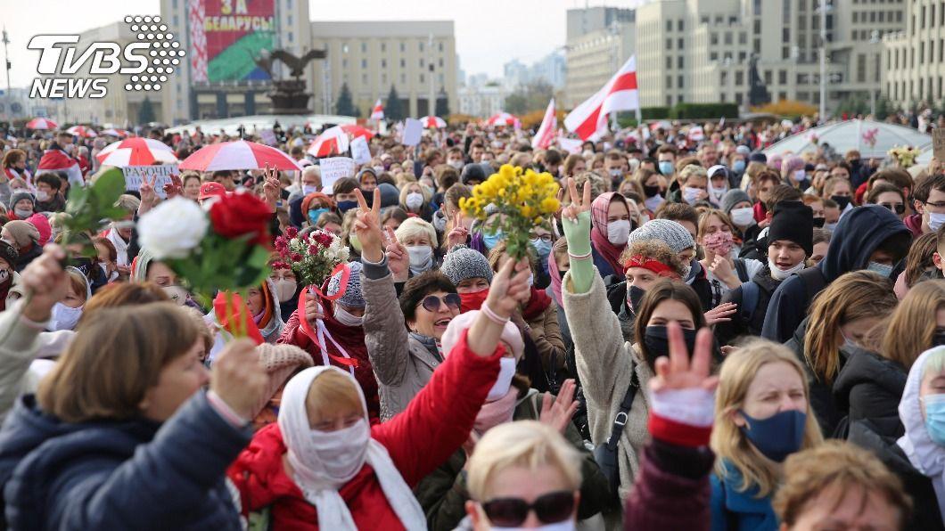 白俄羅斯反對派民眾發動全國罷工。(圖/達志影像美聯社) 要求強人總統下台 白俄羅斯反對派發動罷工