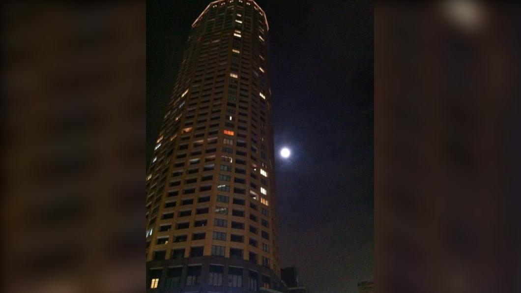 圖/翻攝自Davide Pasca 推特 東京高級大樓被搶 喬裝宅配員匪得手600萬