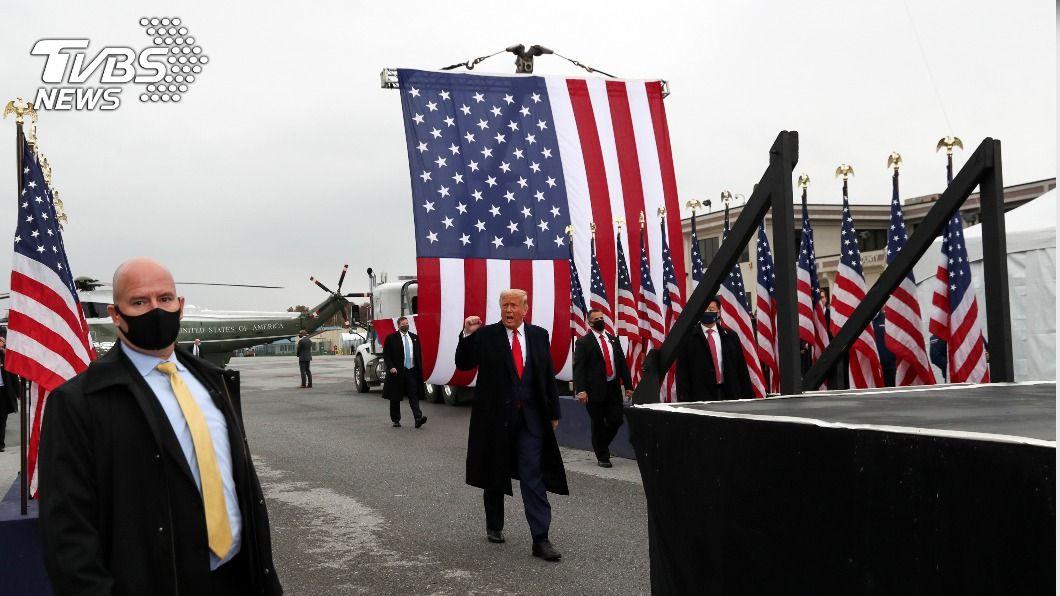 美國總統川普抵達賓州造勢。(圖/達志影像路透社) 譚德塞警告放棄控制疫情很危險 川普否認投降