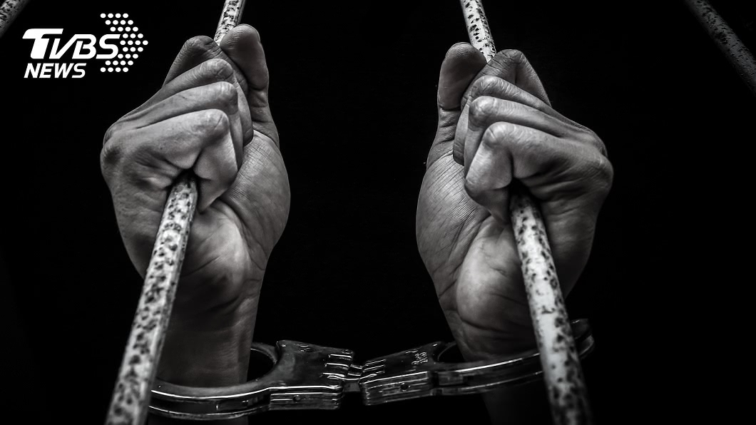 非當事人。(示意圖/shutterstock達志影像) 獄中狂殺48犯人「斬首挖內臟」 狠男放話還想殺