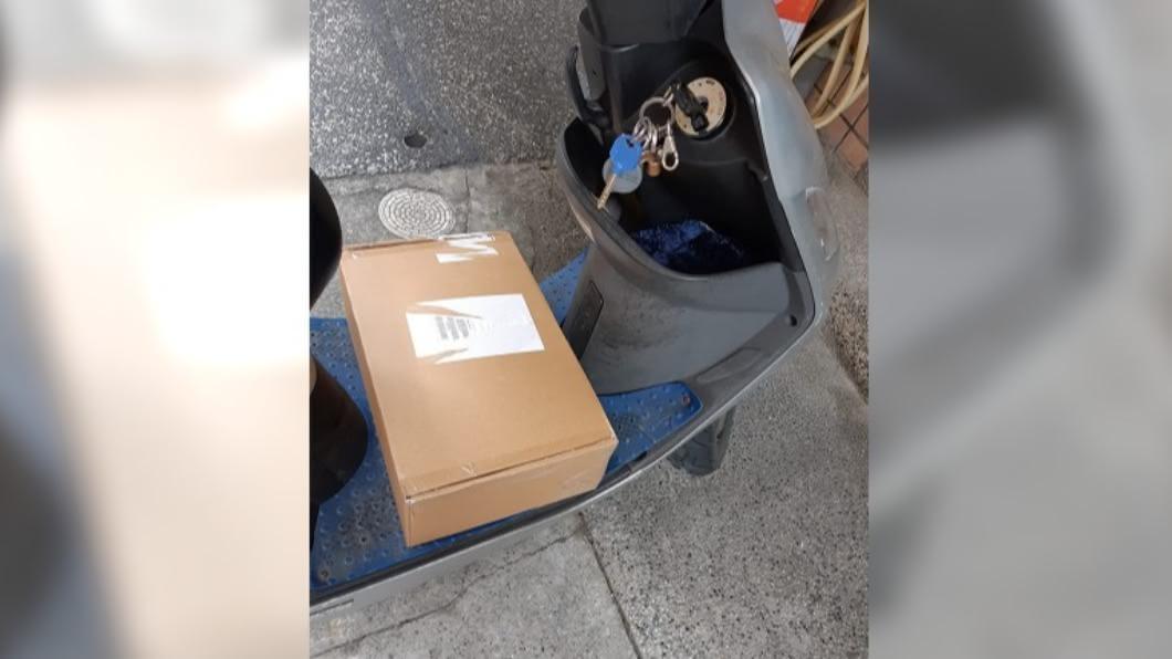 回收翁擅拆踏墊上包裹 騎士制止遭反嗆「哪知是你的」