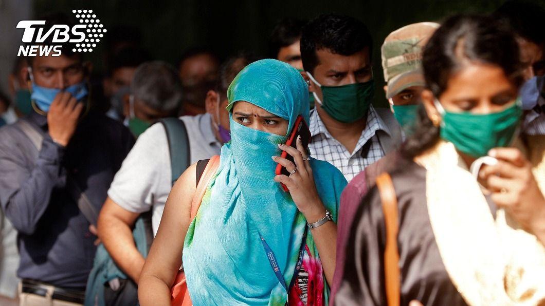 印度確診病例累計超過800萬例。(圖/達志影像路透社) 印度確診破800萬例 憂節慶活動後病例激增