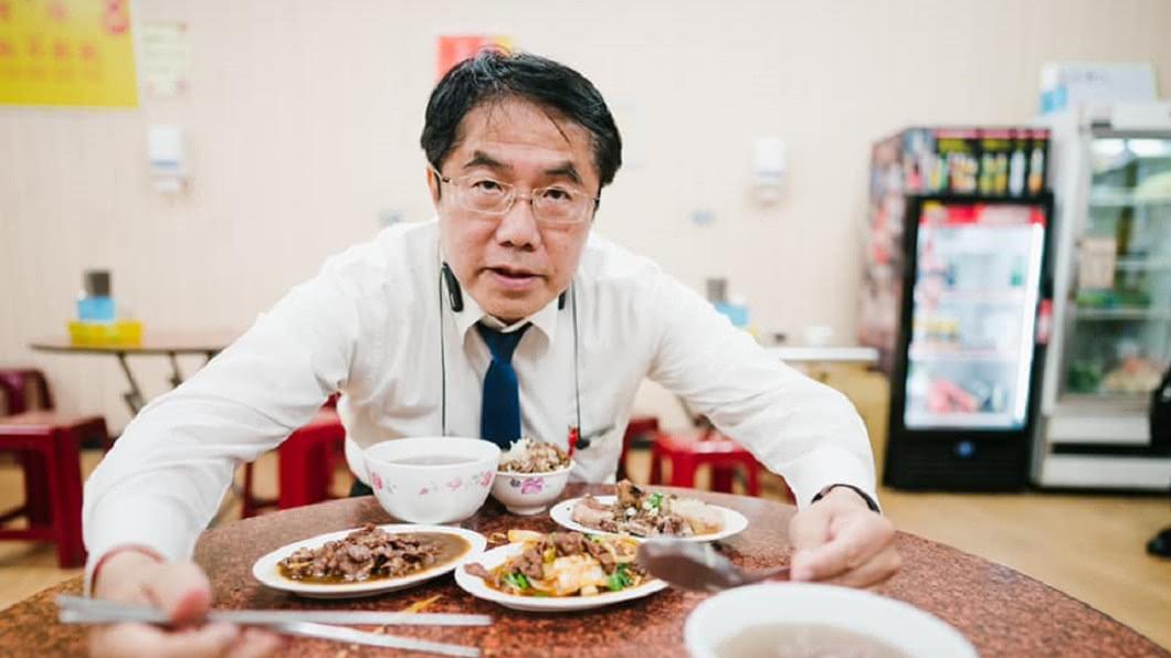 長榮大學馬籍女學生遇害後,台南市長黃偉哲曾讚警方迅速在24小時內破案。(圖/翻攝自黃偉哲臉書) 台南治安好?警政署數據曝光 黃偉哲被酸「只會吃肉燥飯」