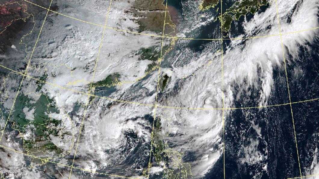 閃電颱風在海上滯留,有機會影響台灣。(圖/中央氣象局) 不排除增強為中颱、撲台 閃電颱風3路徑曝光