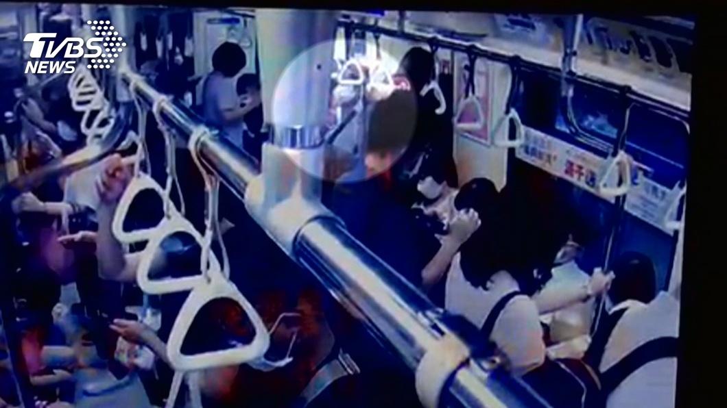 簡姓老翁長年在北捷車廂內性騷擾女乘客。(圖/TVBS資料畫面) 議員提案性騷擾慣犯禁搭捷運 北捷:執行有困難