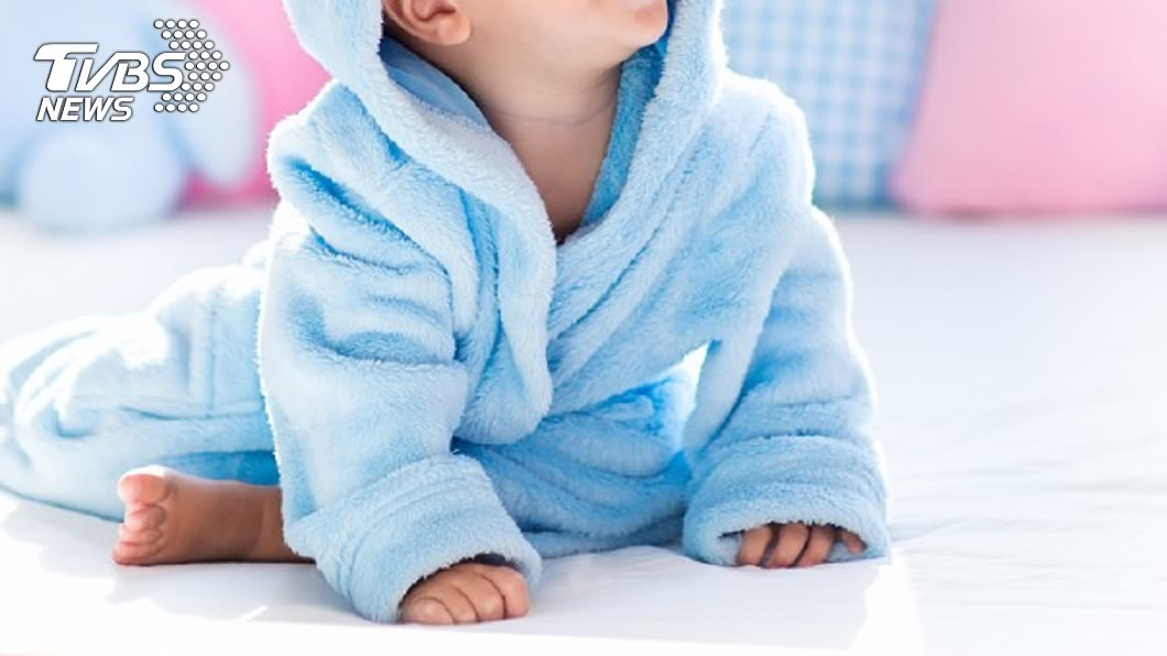 親嘴會傳染蛀牙!4行為恐讓嬰兒「一輩子缺牙」