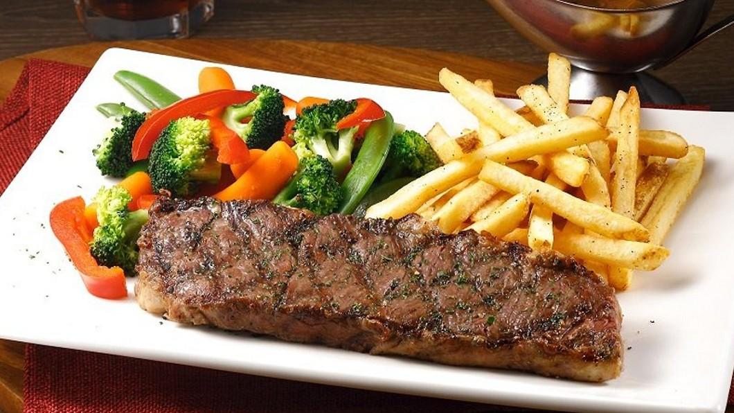 《食尚玩家》一次整理多家餐廳雙11優惠。(圖/翻攝自TGI FRIDAYS網站) 雙11必看美食懶人包 全台35家牛排、火鍋大口吃