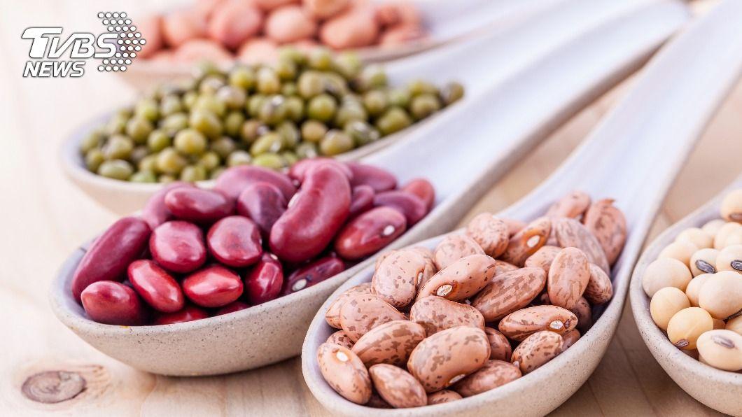 不同顏色的豆子,營養補充也不同。(示意圖/shutterstock達志影像) 營養豆類百百種 醫親授吃對「4顏色」養身又消水腫