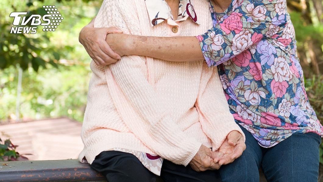 非當事人。(示意圖/shutterstock達志影像) 為同居小三趕40年髮妻出門 狠尪偷吃被抓護:我追她的