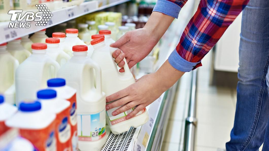 (示意圖/shutterstock達志影像) 逛全聯見1牛奶「贈品超吸睛」 網比大拇指狂讚:好貼心