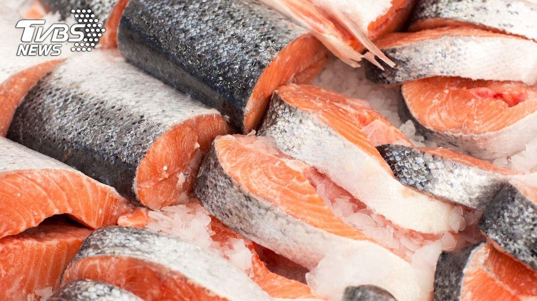 吃魚好處多,瘦身也能通。(示意圖/shutterstock達志影像) 變聰明還助瘦 減肥吃鯖、鮭魚:加速燃燒卡路里