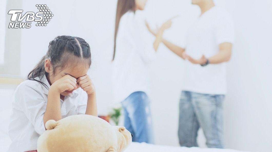 (示意圖/Shutterstock達志影像) 控制狂妻找架吵「逼孩旁聽」 尪崩潰求離婚1原因敗訴