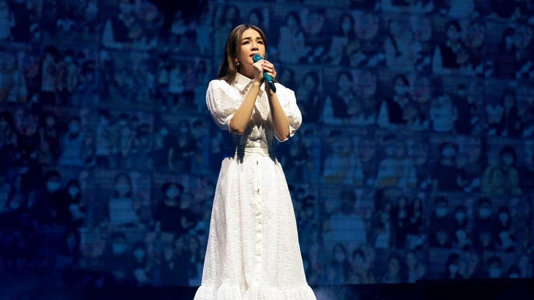 Ella一連2天舉辦個人生涯首場巡演《艾拉秀》。(圖/翻攝自寬魚國際臉書) 首公開「難產畫面」震撼萬人 Ella淚崩:拿命去換的