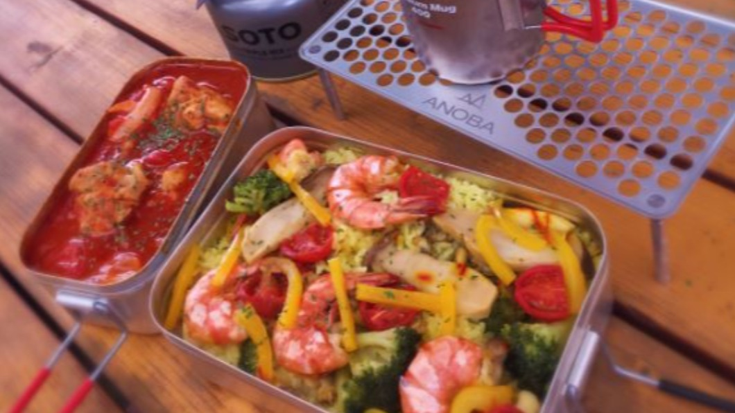 示意圖/翻攝自@pinktan_cycle推特 東京「美食國際村」 雞肉大蒜蝦美味雙拼