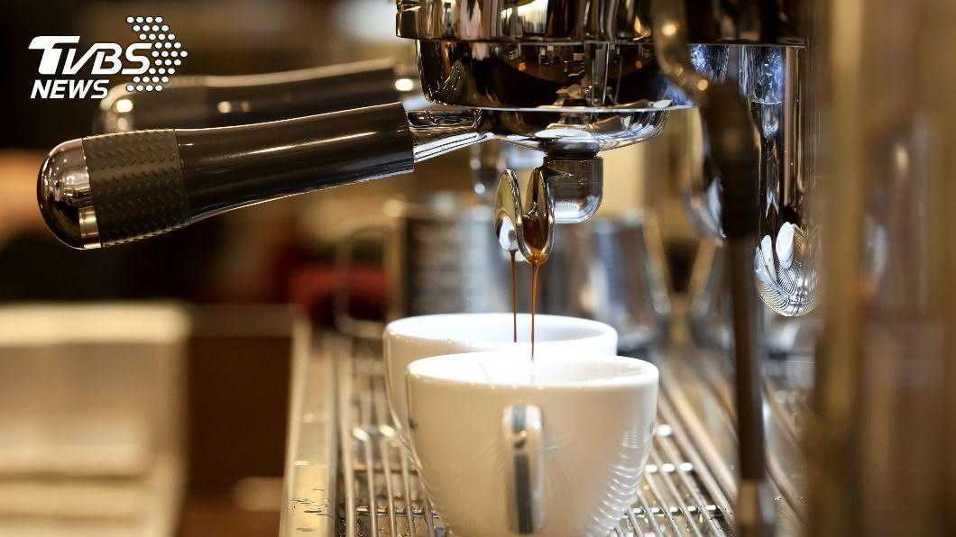 容易過度緊張的人不宜喝咖啡。(示意圖/shutterstock達志影像) 放鬆心情不成變更焦慮?醫:此種人最好少喝咖啡